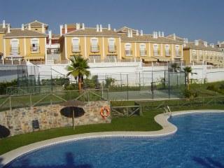 Apartamento duplex en urbanizaci n playa golf iii para alquiler en verano en el campo de golf de - Apartamento en islantilla playa ...