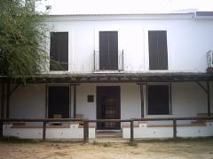 Casa para alquilar en el Rocio con gran cocina y 2 cochera    Referencia Casa 2