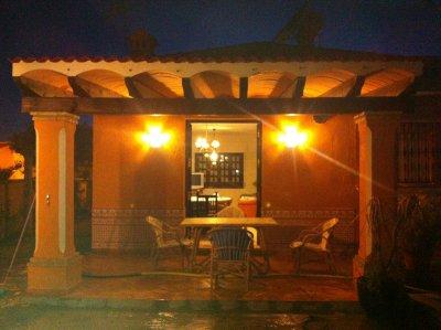 Alquiler de Villa de lujo con piscina privada en parcela de 700 metros, con barbacoa y hamacas