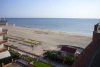 Apartamento en 1� linea de playa, en Matalasca�as