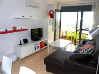 Alquiler de apartamento con aire acondicionado situado en Urbanizaci�n Rio Salado, con  de azotea Privada de 80 m2  donde puede realizar barbacoas, descansar ..