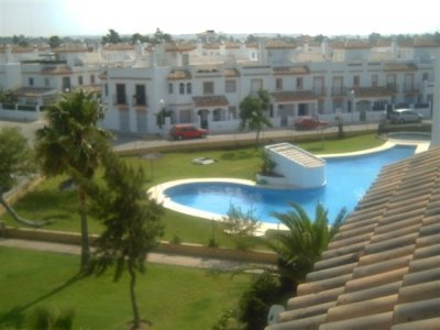 Alquilo piso en chiclana con piscina for Piscinas chiclana